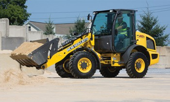 CroppedImage350210-NH-CompactWheelLoaders-2015.jpg