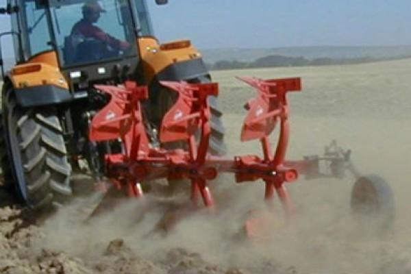 Kuhn | Vari-Master 123 | Model VARI-MASTER 123 NSH - 3 bodies for sale at Western Implement, Colorado