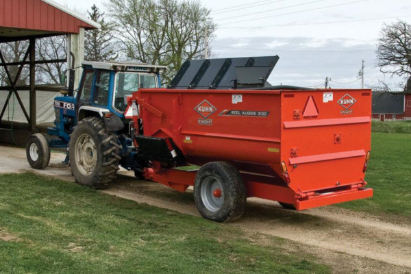 Kuhn Knight 3120 Stationary for sale at Western Implement